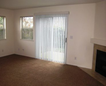 Picture of the living room at 1051 Burton Drive