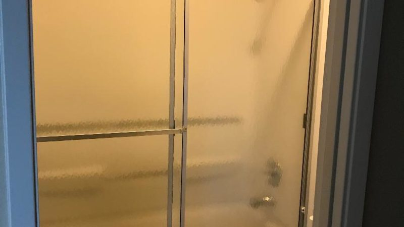 photo of windsor court end unit shower