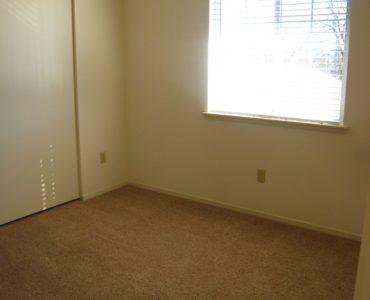 photo of windsor court end unit second bedroom