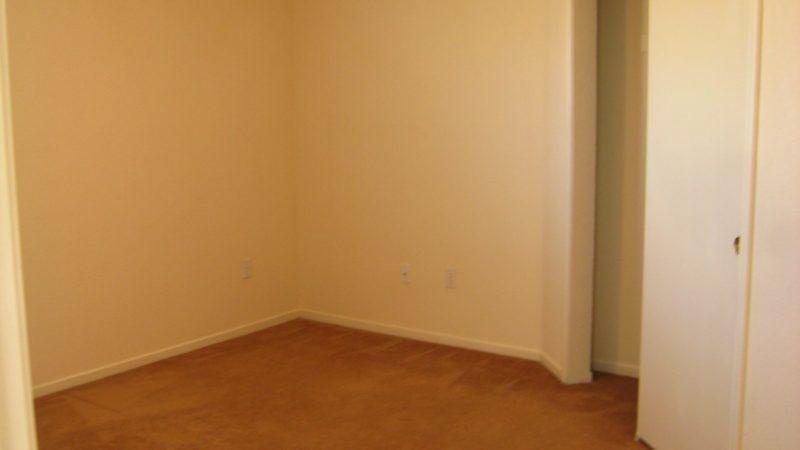 photo of 975 Burton Drive End unit bedroom