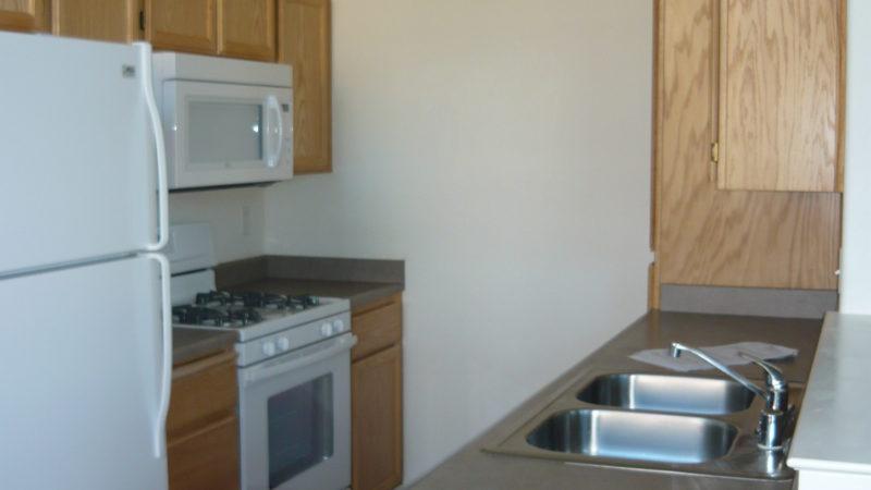 picture of 1299 heavenly oak lane end unit kitchen