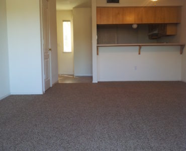 picture of willow park middle townhome living room area