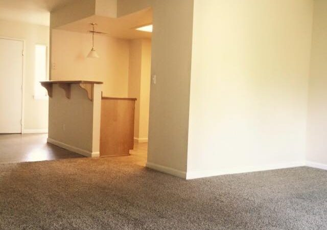 picture of Redwood Middle Dining Room and kitchen