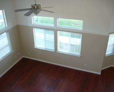 Picture of 1299 Heavenly Oakl Lane end unit living room
