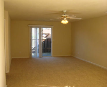 picture of meadowood end living room