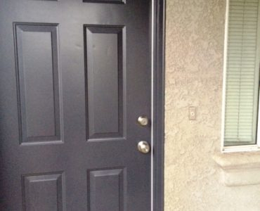 picture of 1069 burton end townhome front door