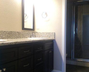 picture of floor plan b master bathroom